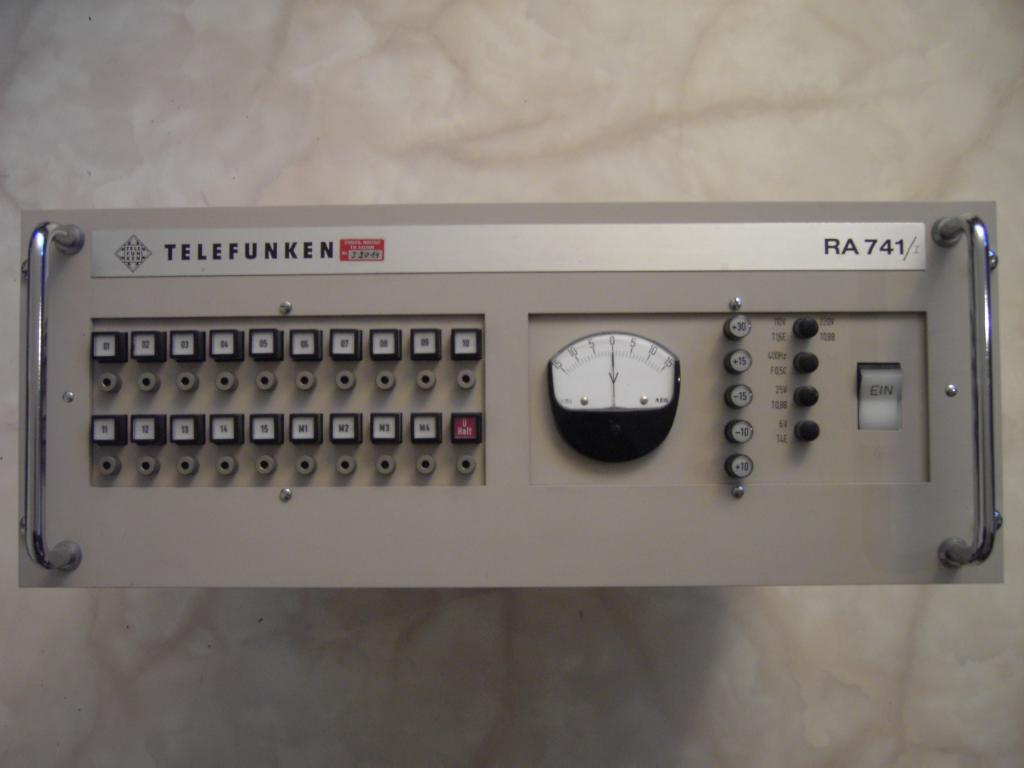 The Telefunken Ra 741 Analog Computer Audio Indicator By Whenever I Attempt To Restore An Old Will Never Just Switch It On Is Way Too Dangerous Since Failures And Errors Might Destroy Other